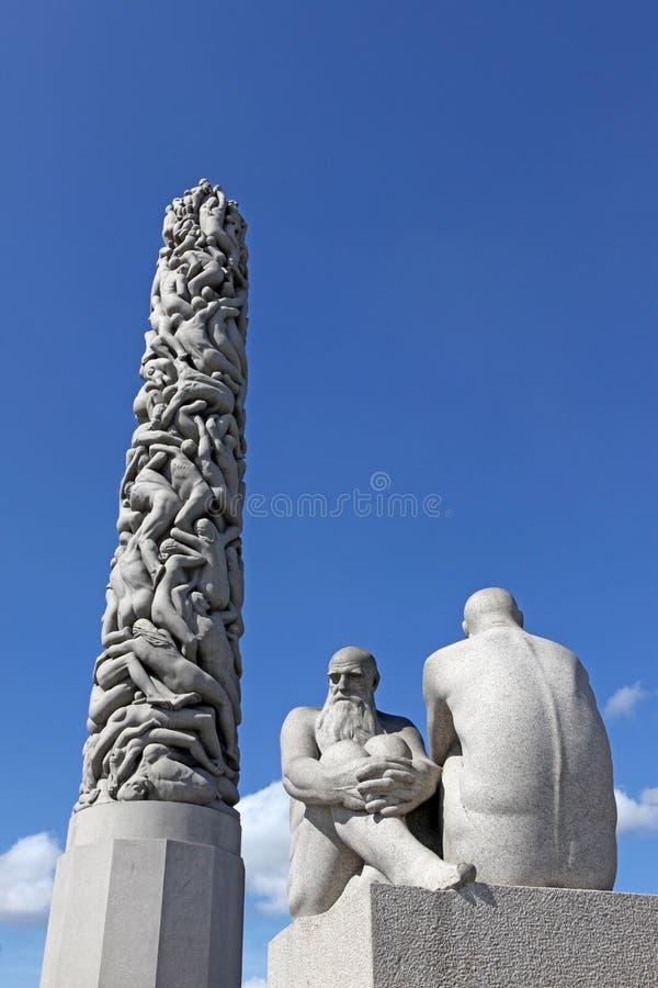 Statuy w Vigeland parku w Oslo, Norwegia fotografia stock
