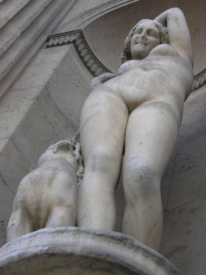 Download Staty arkivfoto. Bild av historiskt, hund, detalj, kvinna - 521376