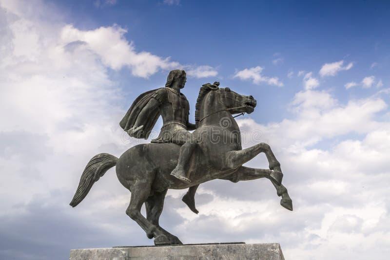 Staty av Alexander det stort av Macedon på kusten av Thessaloniki fotografering för bildbyråer