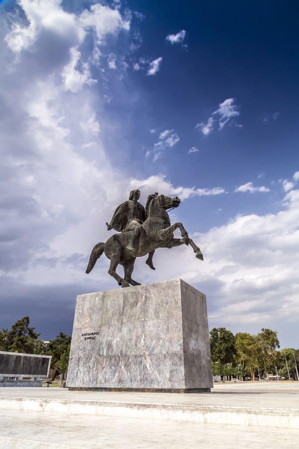 Staty av Alexander det stort av Macedon på kusten av Thessaloniki, Grekland royaltyfri fotografi