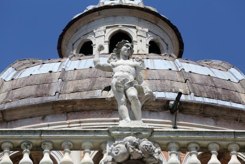 Staty av Angel Basilica Santa Maria della Steccata, Parma royaltyfria bilder
