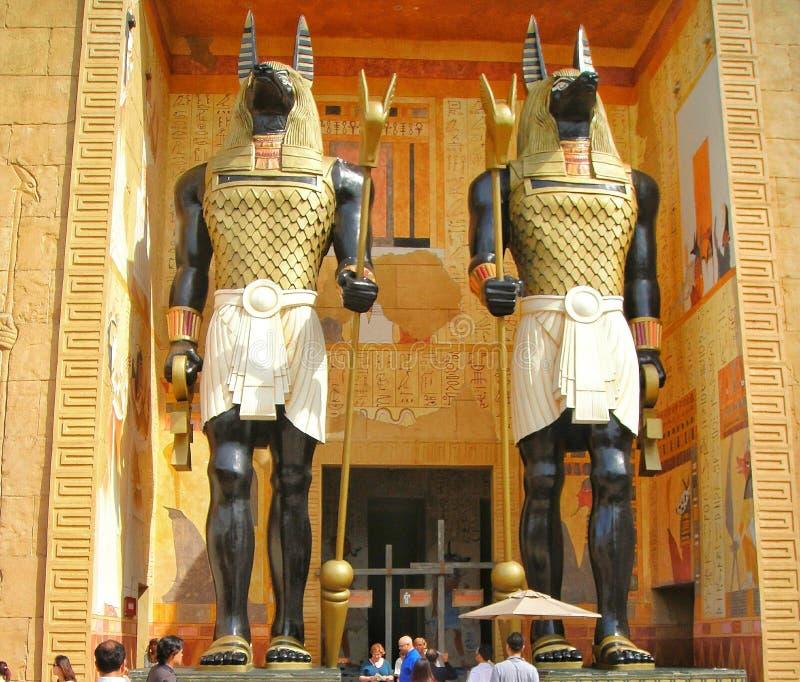 Staty av Anubis - guden av döda arkivbild