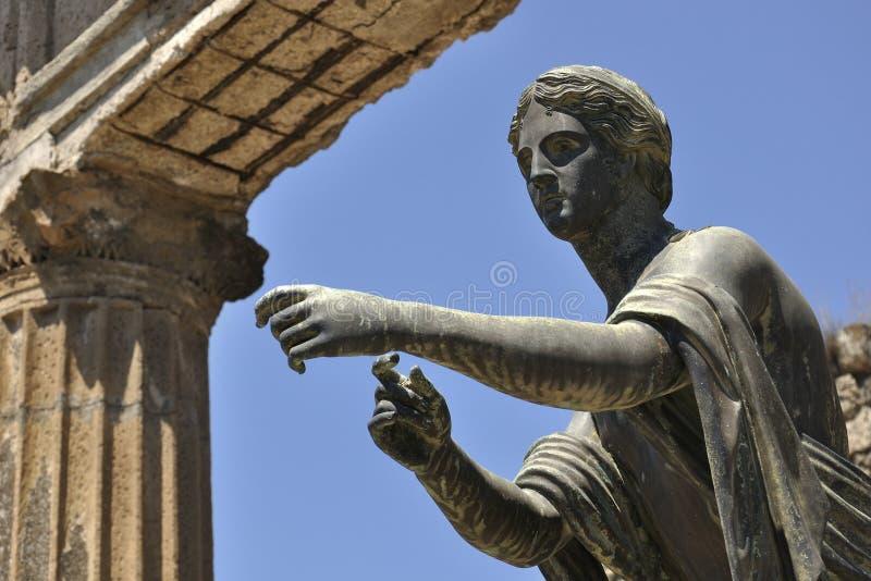 Staty av Apollo, Pompeii, Italien fotografering för bildbyråer
