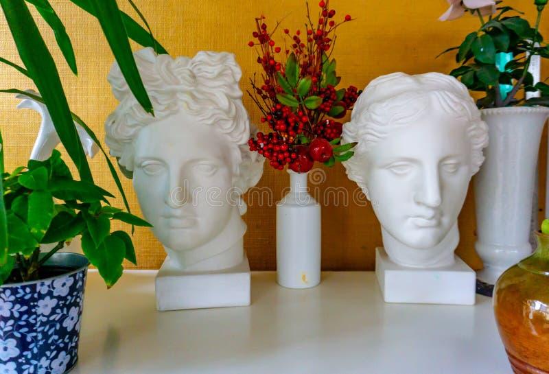 Staty av Apollos huvud man staty huvud arkivfoton