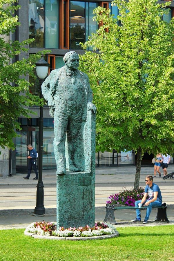Staty av Carl Joachim Hambro i Oslo, Norge royaltyfria foton