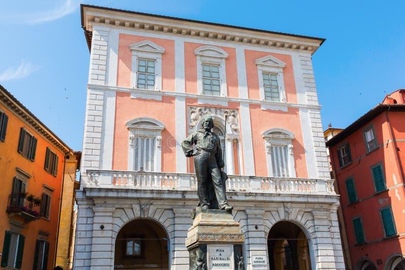 Staty av Cosimo I i riddarefyrkanten, Pisa, Italien arkivbild