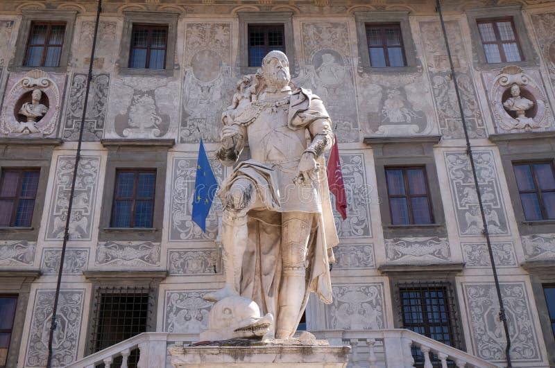 Staty av Cosimo Jag de Medici, storslagen hertig av Tuscany i Pisa royaltyfri foto
