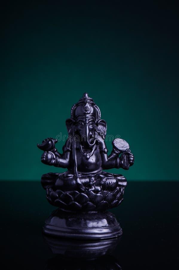 Staty av den hinduiska guden Ganesha royaltyfri bild