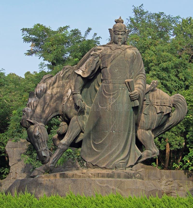 Staty av den kinesiska krigaren med hästen arkivfoton
