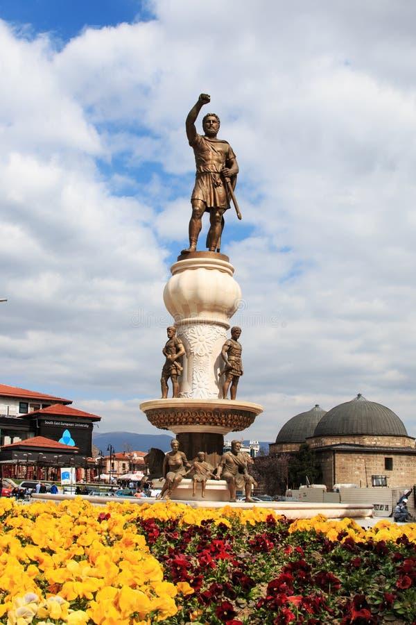 Staty av den Macedonian soldaten i Skopje, Makedonien royaltyfri bild