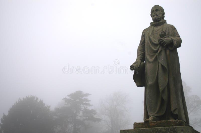 Staty av den skotska teologen och världsförbättraren Alex Henderson arkivfoto
