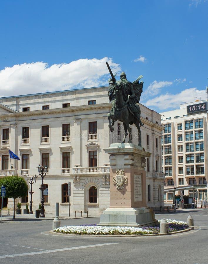 Staty av El Cid, Burgos. Spanien royaltyfria foton