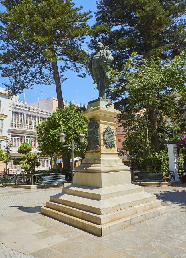 Staty av Emilio Castelar Plaza de Candelaria Square Cadiz Andalusia, Spanien royaltyfria foton