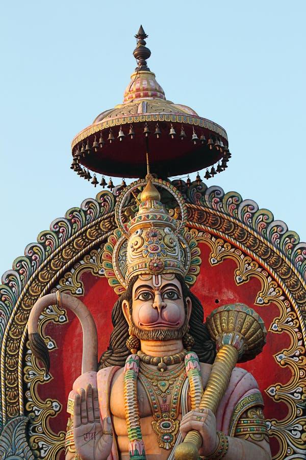 Staty av en jätte- Lord Hanuman arkivbild