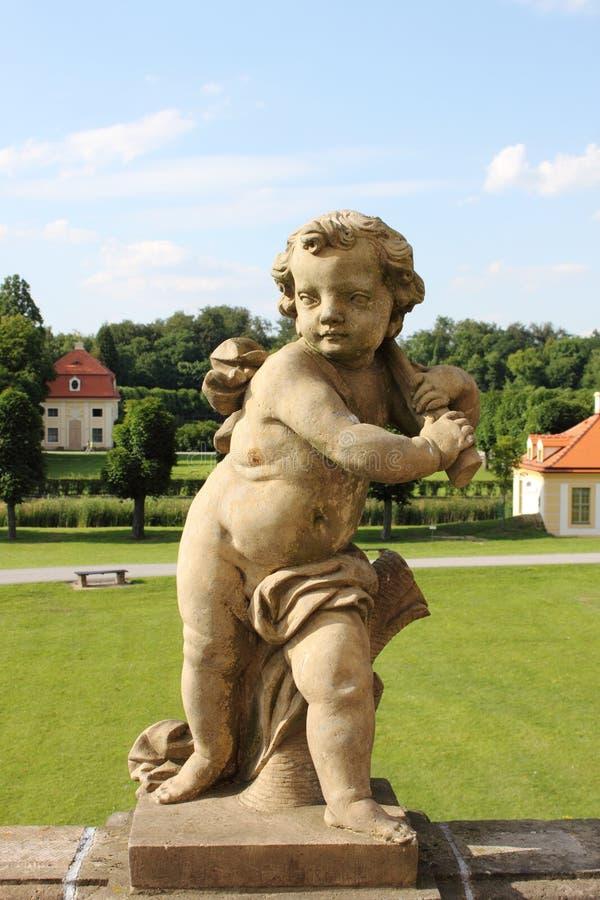 Staty av ett barn fotografering för bildbyråer