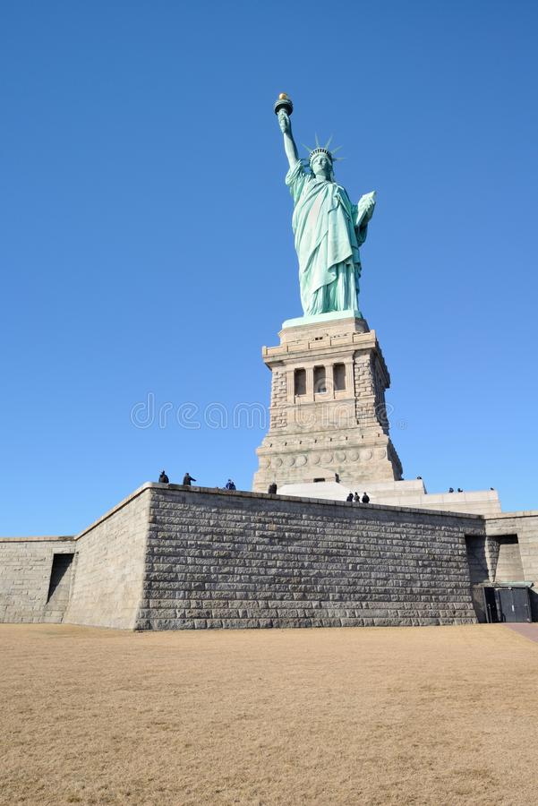 Staty av för frihet sikten mycket - fotografering för bildbyråer