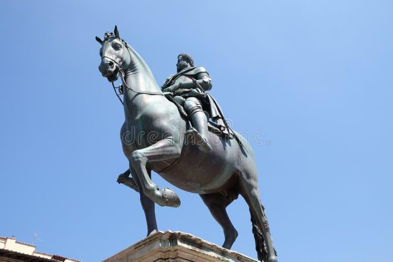 Staty av Ferdinando Jag de Medici i Florence, Italien royaltyfri bild