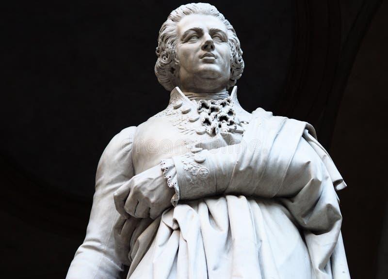 Staty av filosofen, ekonomen och historiker Pietro Verri arkivbild