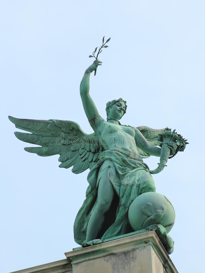Staty av Fortuna av Johannes Benk på Hofburg Pala royaltyfri foto