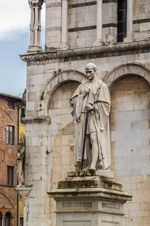 Staty av Francesco Burlamacchi i Lucca, Italien fotografering för bildbyråer