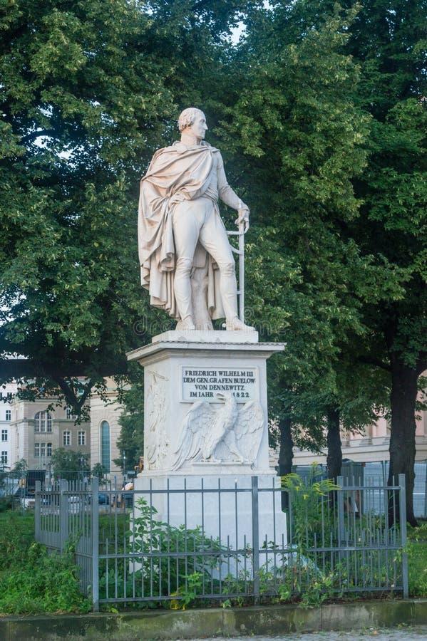 Staty av Friedrich Wilhelm Freiherr von Bulow i Berlin royaltyfri fotografi