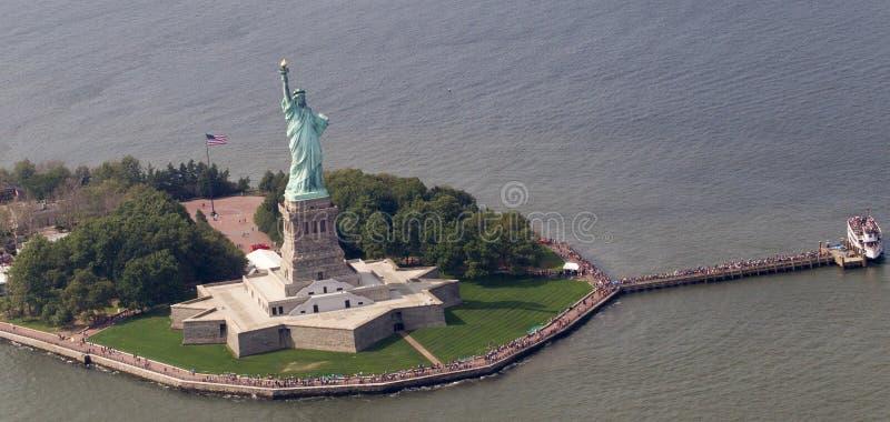 Staty av frihet från luft arkivbilder