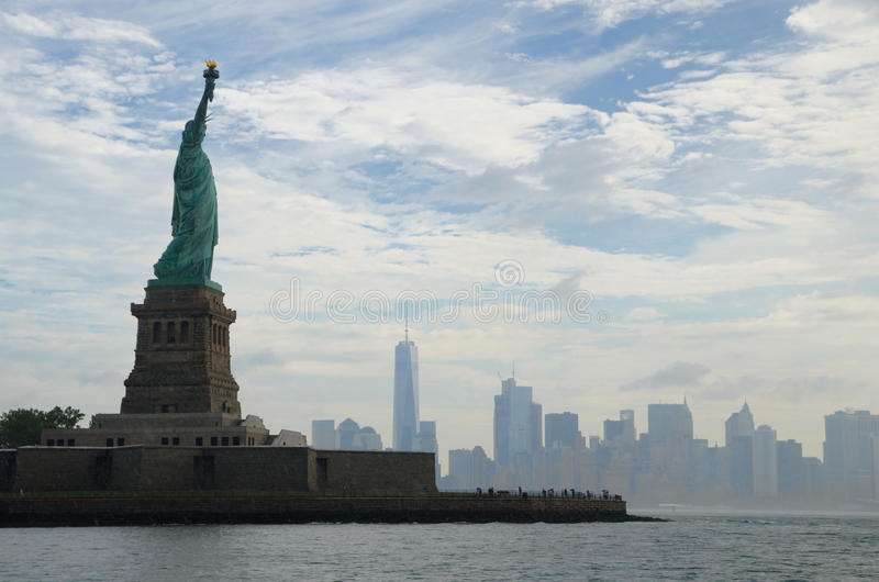 Staty av frihet och Manhattan, New York City royaltyfri foto