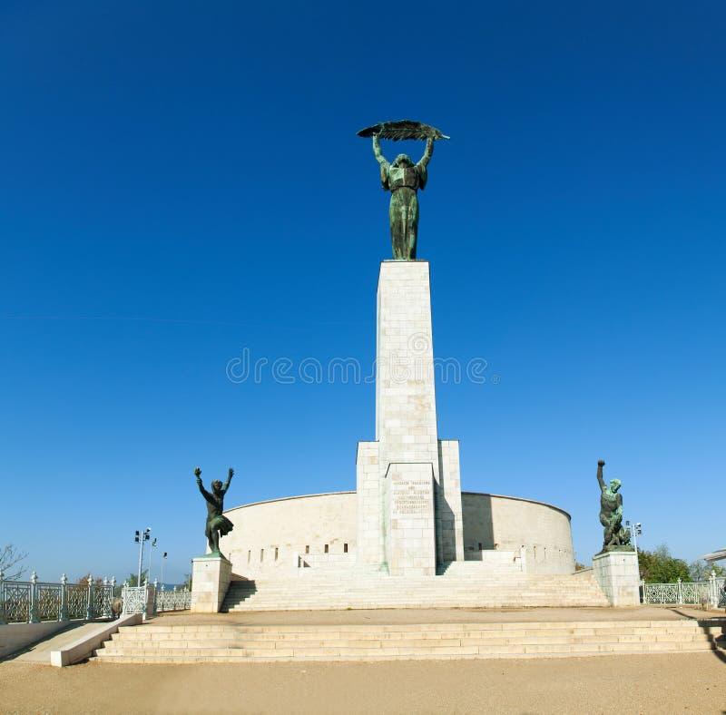 Staty av frihet på citadelen i Budapest arkivfoto