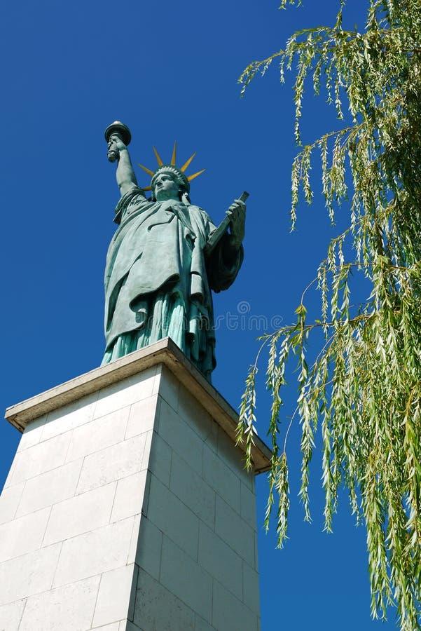 Staty av frihet, Paris, Frankrike. royaltyfri bild