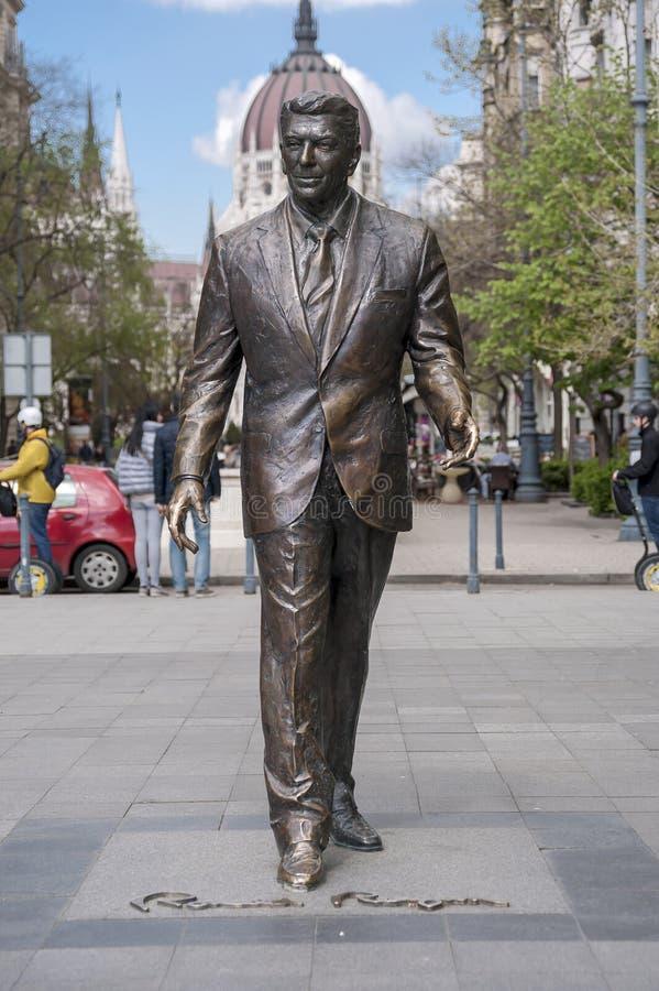 Staty av gamlan U S president reagan ronald royaltyfri foto
