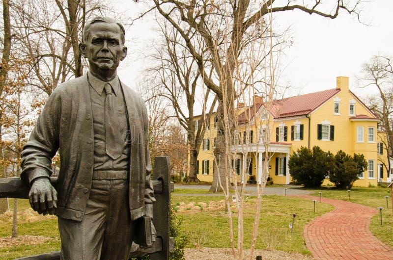 Staty av George Catlett Marshall, Jr - Marshall House, Leesburg, Virginia, USA arkivfoto
