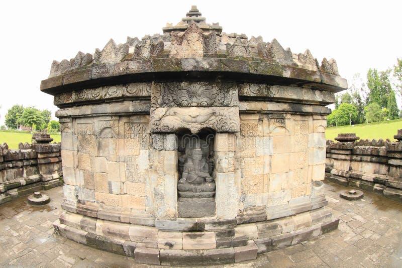 Staty av guden Ganesha på den hinduiska templet Sambisari royaltyfri foto
