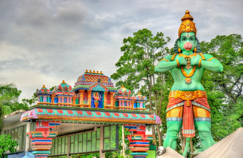 Staty av Hanuman, en hinduisk gud, på den Ramayana grottan, Batu grottor, Kuala Lumpur royaltyfri fotografi