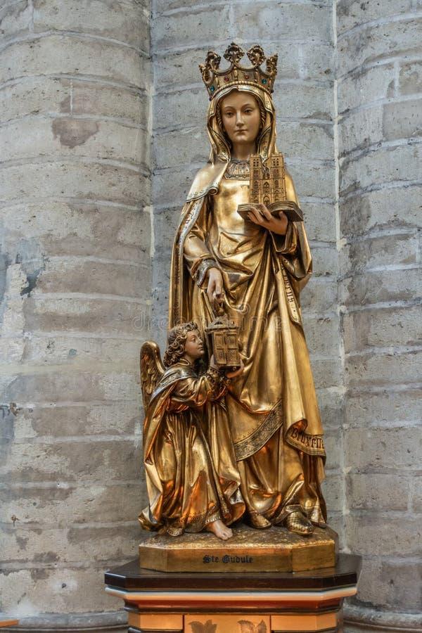Staty av helgonet Gudula, Bryssel Belgien arkivbilder