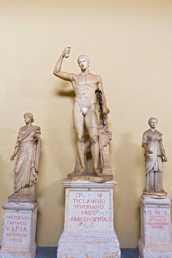 Staty av Hermes, i gallerit av statyer på Vaticanen Museu arkivfoton