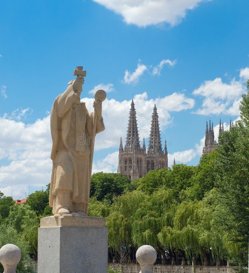 Staty av Jeronimo de Perigord, Burgos. Spanien royaltyfria bilder