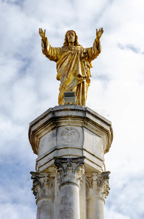 Staty av Jesus i Fatima Portugal royaltyfria bilder