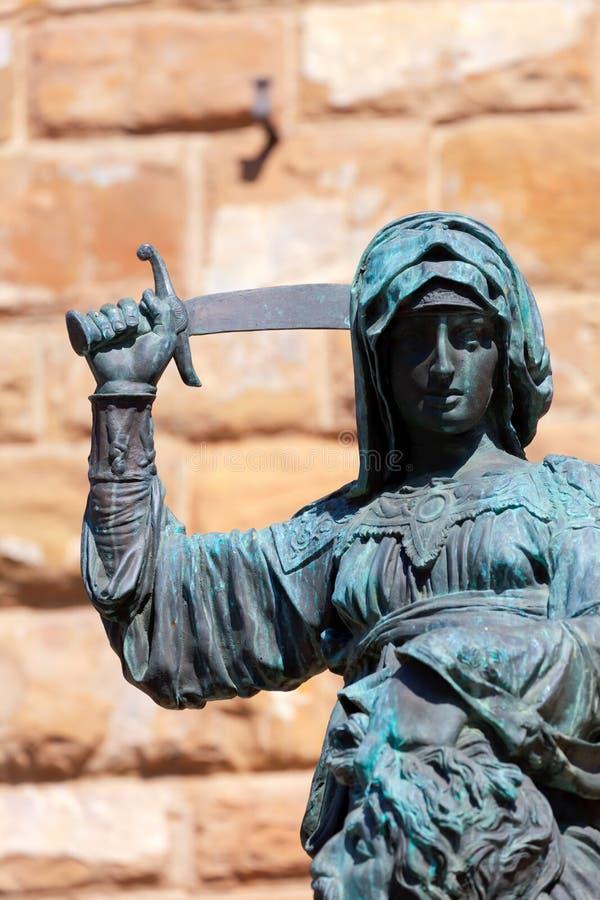 Staty av Judith och Holofernes arkivfoto