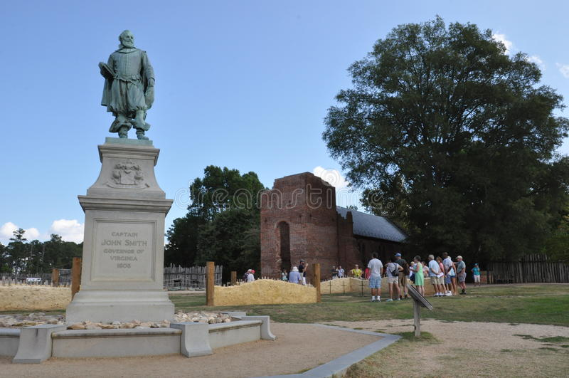 Staty av kapten John Smith i Jamestown, Virginia arkivbild