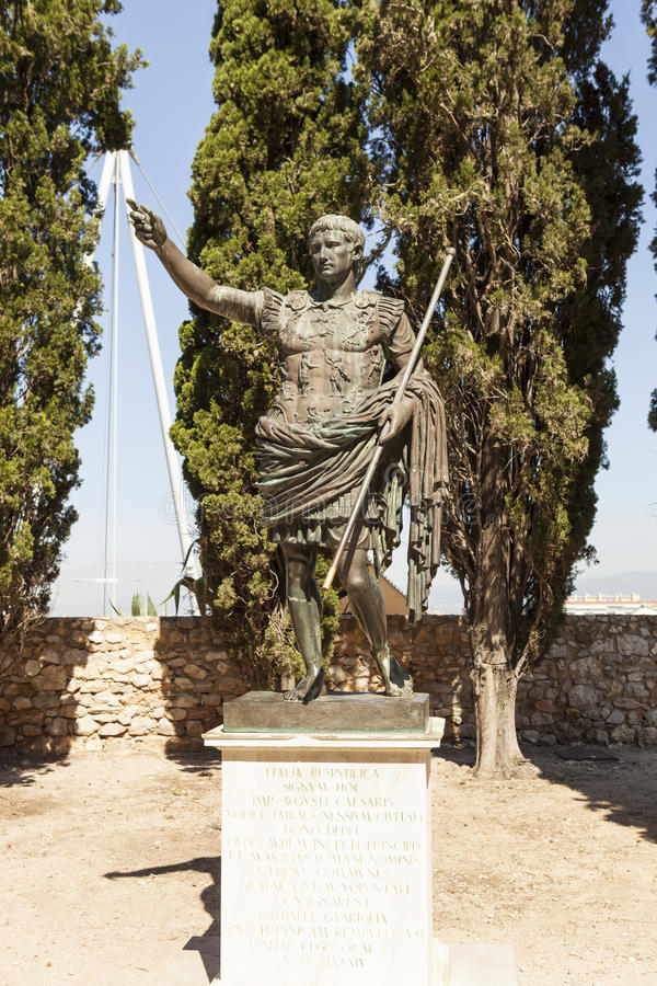 Staty av kejsaren Augustus Tarragona spain royaltyfri fotografi