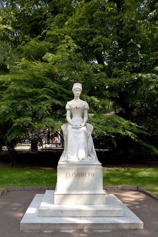 Staty av kejsarinnan Elisabet eller Sissi, Merano royaltyfri fotografi