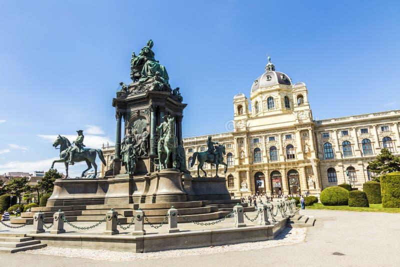 Staty av kejsarinnan Maria Theresia i Wien royaltyfri bild