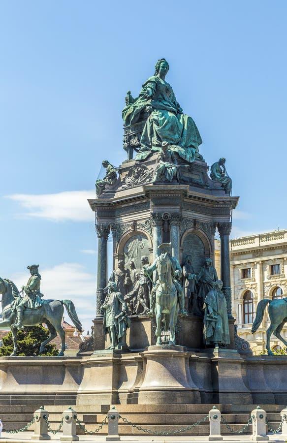 Staty av kejsarinnan Maria Theresia i Wien royaltyfria bilder