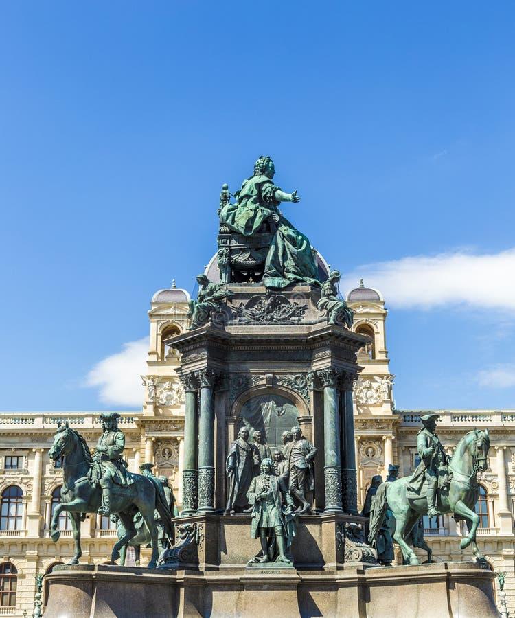 Staty av kejsarinnan Maria Theresia i Wien royaltyfria foton