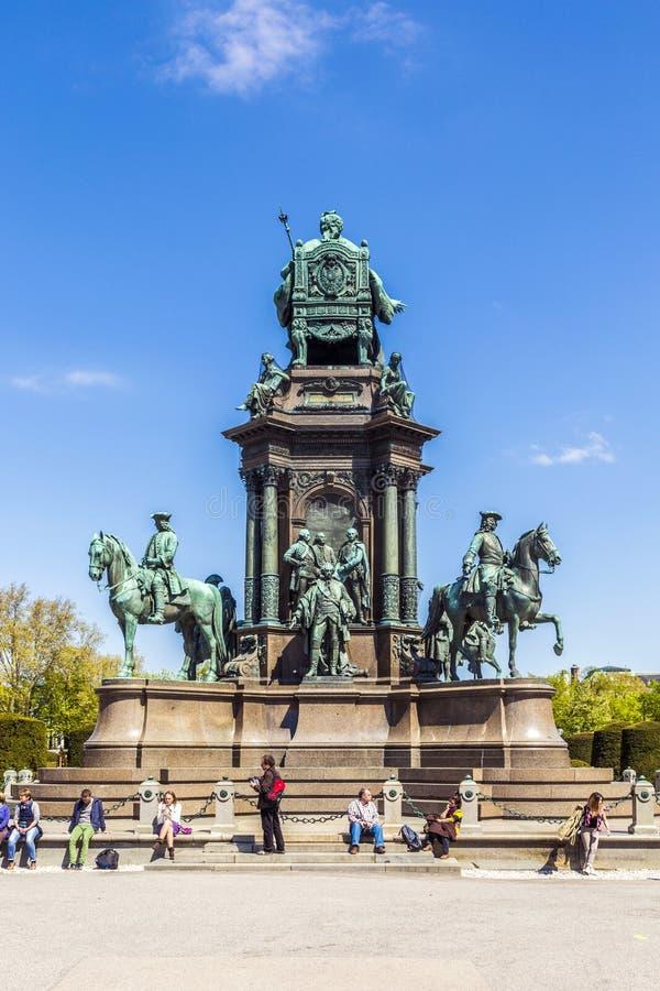 Staty av kejsarinnan Maria Theresia i Wien royaltyfri foto