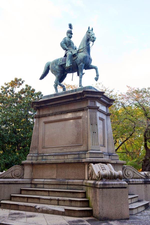 Staty av krigaren på häst i Ueno arkivbilder