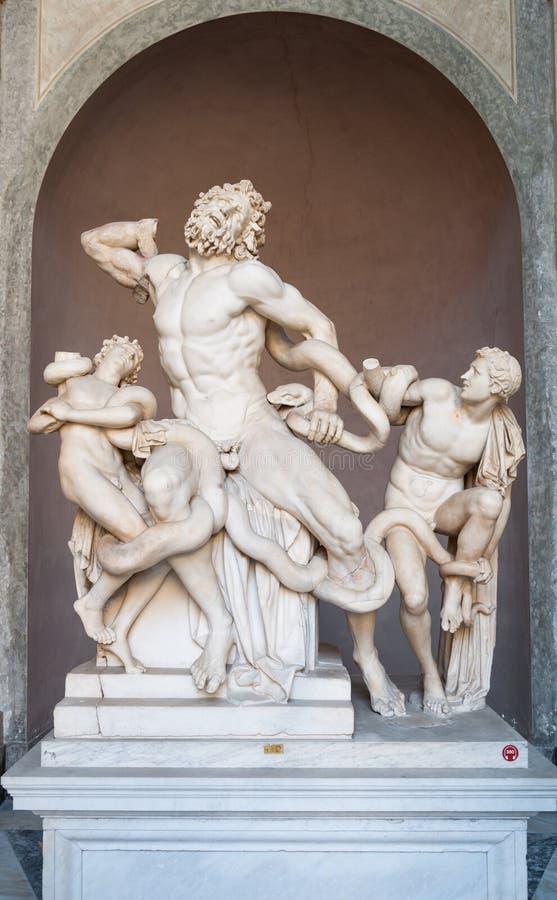 Staty av Laocoon och hans söner i Vaticanenmuseum royaltyfri foto