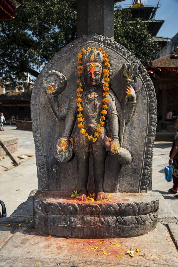 Staty av Lord Shiva, den hinduiska guden, Katmandu, Nepal royaltyfri foto