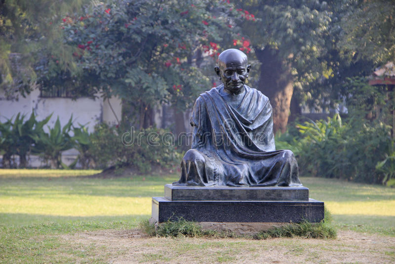 Staty av Mahatma Gandhi arkivfoto