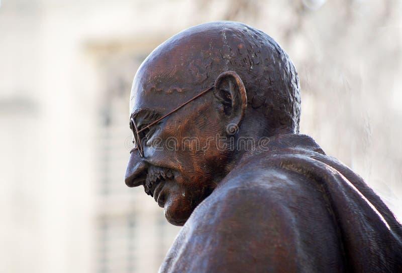 Staty av Mahatma Gandhi fotografering för bildbyråer